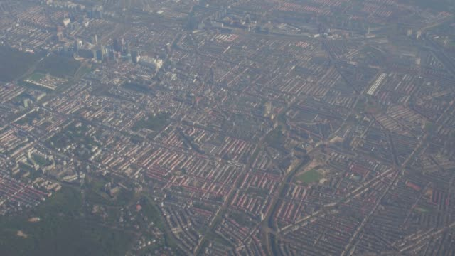 vídeos y material grabado en eventos de stock de volando sobre el puerto de rotterdam - rotterdam