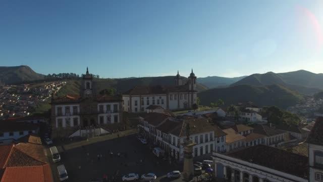flying over tiradentes square in ouro preto, minas gerais, brazil - preto stock videos & royalty-free footage