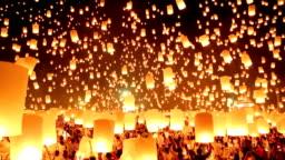 Flying paper lanterns in Loi Kra Tong festival.