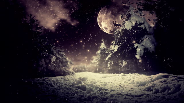 vídeos de stock, filmes e b-roll de papai noel voando no natal de noite - snow cornice