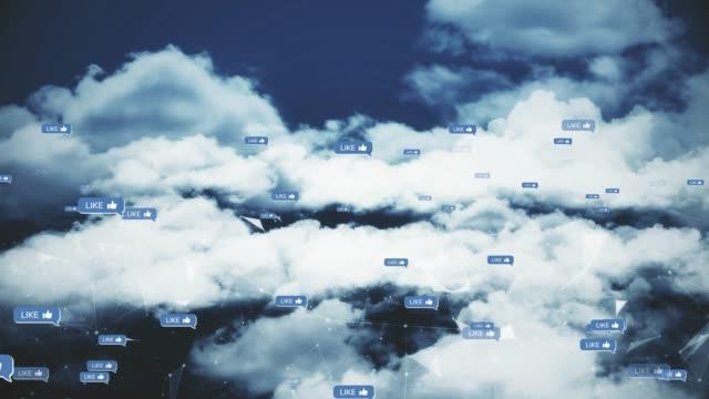 vidéos et rushes de voler à travers les nuages avec des connexions réseau (loopable) - atteindre