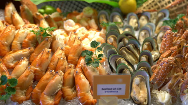 Focus in - Seafood on ice in buffet line