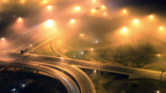 Nebel Highway fahren