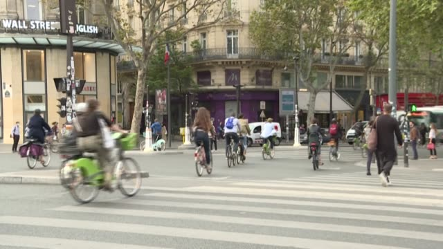 following a move during lockdown by anticar socialist mayor anne hidalgo to turn some of paris's busiest traffic arteries into cycle lanes the french... - artery stock videos & royalty-free footage