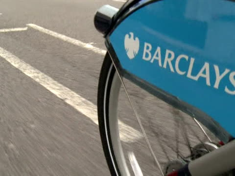 following the lead of cities like paris dublin and montreal london launched a major cycle hire scheme on friday which aims to make transport in the... - greater london stock videos & royalty-free footage
