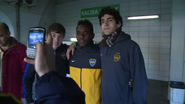 Following the murder of his parents Bayan Mahmud fled from his country in Ghana and ended up in Argentina CLEAN Ghanaian boy finds future in soccer...