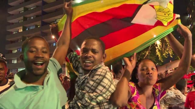 Following the resignation of Zimbabwean President Robert Mugabe on Tuesday the Zimbabwean community in Johannesburg hit the roads to celebrate...