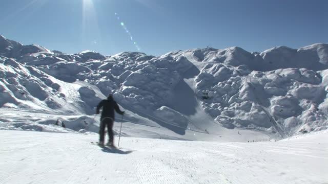 HD: Following The Skier