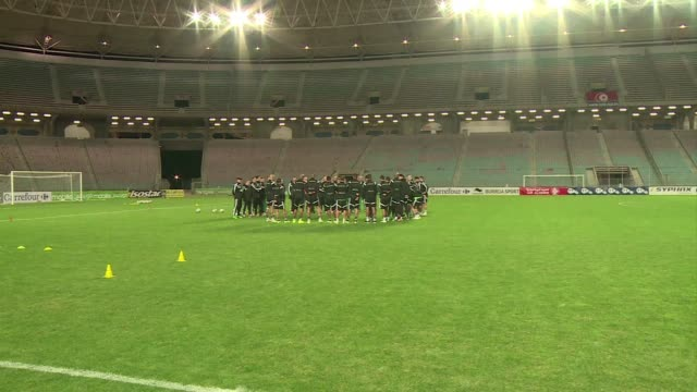 stockvideo's en b-roll-footage met following their head turning performance at the 2014 world cup in brazil the algerian national team is favourite to win this year's africa cup of... - wereldkampioenschap sport