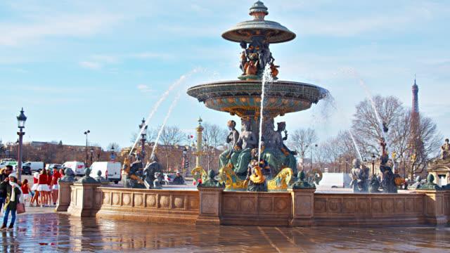 fontaine des mers. place de la concorde - fountain stock videos & royalty-free footage