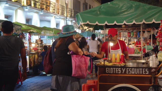 food cart at a night market in oaxaca, mexico. elotes y esquites stall - street market stock videos & royalty-free footage