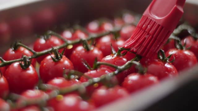 Food Cinemagraphs: delicious cherry tomatoes