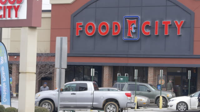 food city is an american supermarket chain with stores located in georgia, kentucky, tennessee, and virginia. - chain store stock videos & royalty-free footage