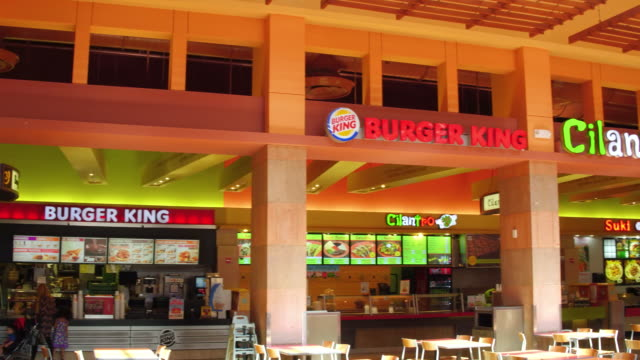 food court in the morning right pan dolphin mall is a shopping mall in sweetwater miamidade county florida west of the city of miami there are over... - miami dade county bildbanksvideor och videomaterial från bakom kulisserna