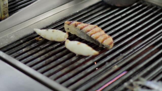 食用魚のレストラン - カスカイス点の映像素材/bロール