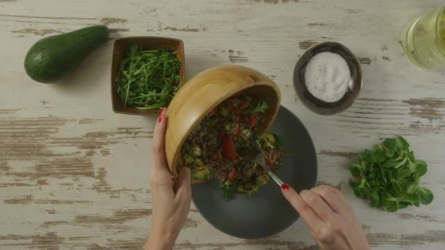 vidéos et rushes de préparation des aliments  - tomate