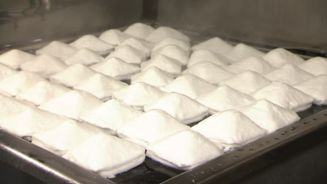 Food Processing Of Hanpen Fishcake