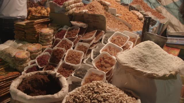 food, sharia el souk, aswan, egypt - egyptian culture stock videos & royalty-free footage