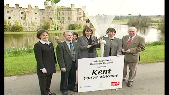 Fears over tourism jobs Balloons released ITN ENGLAND Kent Leeds Castle Members of Maidstone Borough Council holding gas filled green balloons in...