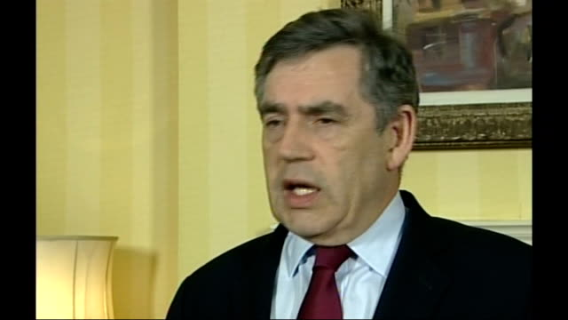 foot and mouth disease outbreak in surrey investigation into source / second outbreak confirmed england london downing street int gordon brown mp... - schlußtag stock-videos und b-roll-filmmaterial