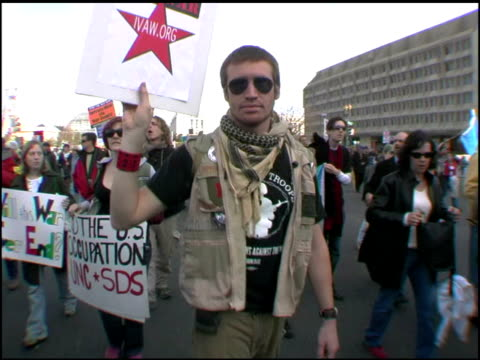 stockvideo's en b-roll-footage met footage form the anti-war rally in washington d.c. iraq veterans against the war. - irak