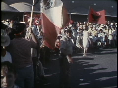 footage from a united farm workers rally. - メキシコ系アメリカ人点の映像素材/bロール