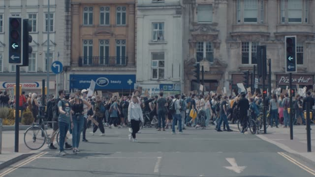 footage from the black lives matter protest in bristol, england on june 7th 2020, sparked by the death of george floyd and the continued oppression... - togetherness stock videos & royalty-free footage