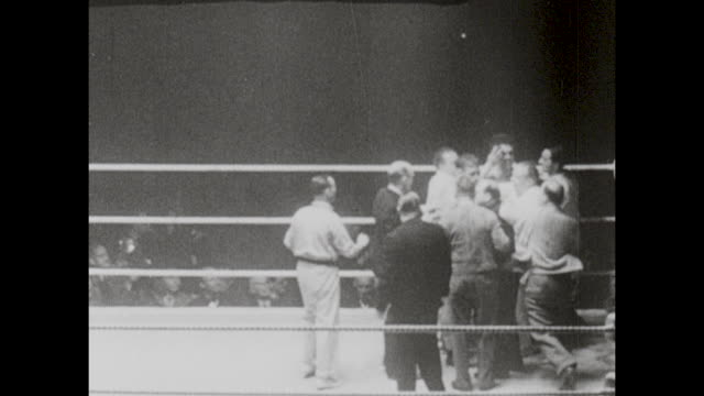 footage from the light heavyweight championship bout fought by gus lesnevich vs freddie mills in london, england on 14th may 1946. - retro style stock videos & royalty-free footage