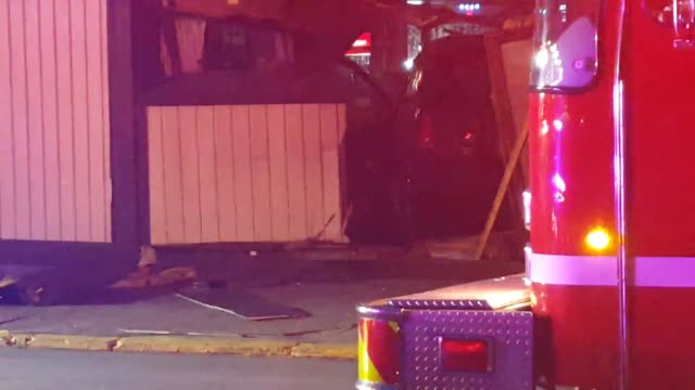 footage from the scene where a driver suspected of being under the influence crashed into smitty's cafe in dayton kentucky - suchtmittel abhängigkeit stock-videos und b-roll-filmmaterial