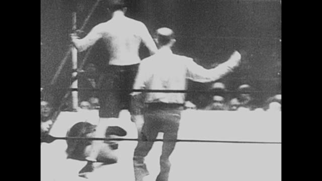 footage from the world heavyweight championship bout fought by gene tunney vs tom heeney in yankee stadium new york on 26th july 1928 tunney beat... - world championship stock videos & royalty-free footage