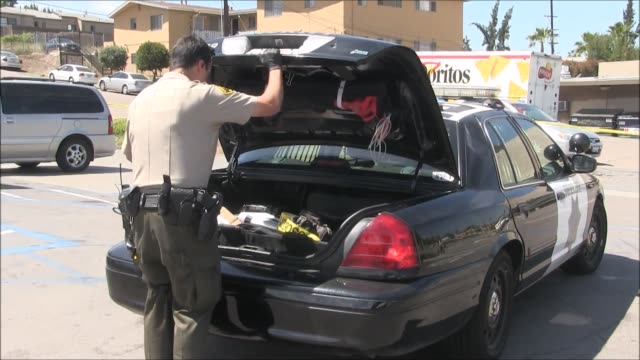 vídeos y material grabado en eventos de stock de footage of a shooting that occurred in lemon grove at the intersection of citrus st and avocado ave according to eyewitness ben otterbeck several... - crimen