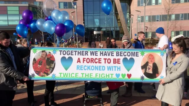 footage of alfie evans supporters outside alder hey children's hospital in liverpool alfie's parents lost the life support treatment fight with... - alder tree stock videos & royalty-free footage