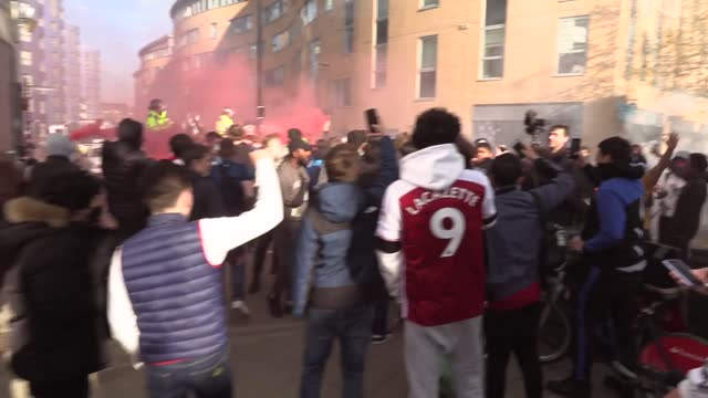 footage of arsenal fans protesting outside the emirates stadium ahead of their europa league semi-final against villarreal. the fans are... - europe stock videos & royalty-free footage