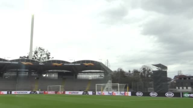 footage of austrian side lask linz training ahead of their match against manchester united in the first leg of their last-16 europa league match.... - traditionally austrian stock videos & royalty-free footage