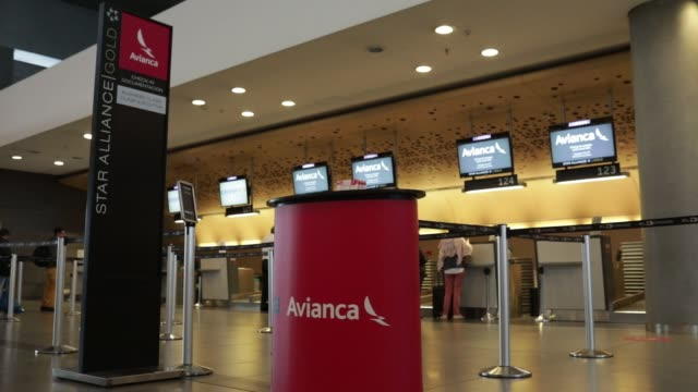 footage of avianca baggage dropoff desks at el dorado international airport in bogota colombia on november 6 2017 photographer nicolo filippo rosso... - rosso stock videos & royalty-free footage