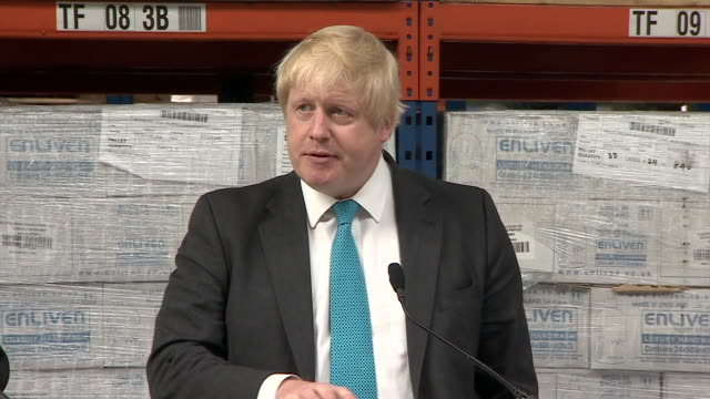 footage of boris johnson speaking at a soap factory about the risks of remaning in the eu - bürgermeister stock-videos und b-roll-filmmaterial