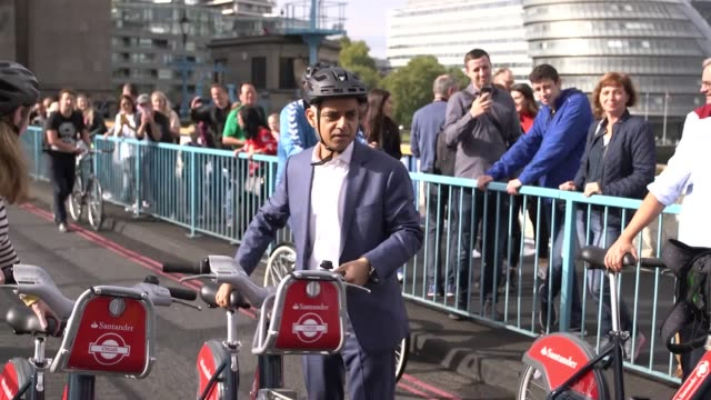 footage of car free day in london where several roads including tower bridge and london bridge are closed off to cars to help reduce air pollution in... - sadiq khan stock videos & royalty-free footage