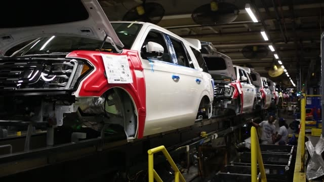 footage of ford expeditions being worked on at the ford motor co kentucky truck plant in louisville kentucky on october 27 2017 photographer luke... - ford motor company stock videos and b-roll footage