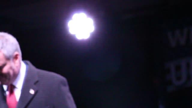 footage of hollywood celebrities and politicians speaking at an preinauguration antitrump alec baldwin bill de blasio al sharpton mayor marisa tomei... - al sharpton stock videos & royalty-free footage