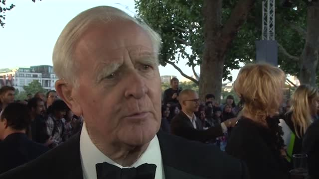 footage of john le carre at the 2011 premiere of tinker, tailor, soldier, spy and at the 2018 premiere of little drummer girl at the bfi london film... - デビッド コーンウェル点の映像素材/bロール