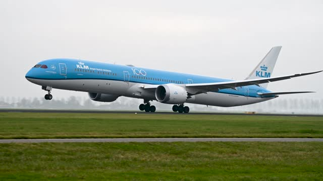footage of klm boeing 787 taking off on cloudy day - editorial stock videos & royalty-free footage
