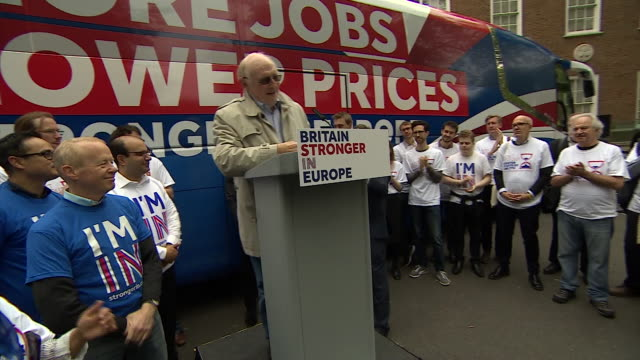 vídeos de stock, filmes e b-roll de footage of neil kinnock giving a speech at vote remain rally nnbw070k - continuidade