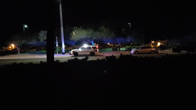 footage of police at the scene of a five car accident on greenway and 59th avenue in glendale az - limousine familienfahrzeug stock-videos und b-roll-filmmaterial