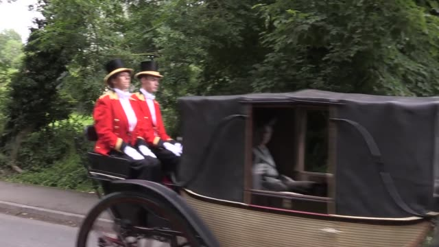 footage of previous meetings of royal ascot, which will be held behind closed doors this week. - ロイヤルアスコット点の映像素材/bロール