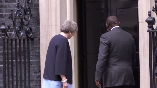 footage of south african prime minister cyril ramaphosa arriving at number 10 downing street to meet with theresa may followed by scenes from the... - 10 downing street stock videos and b-roll footage