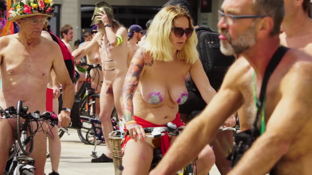 footage of the bristol 2017 world naked bike ride a clothing optional cycling event through the city with the aim of delivering a vision of a cleaner... - naked stock videos & royalty-free footage