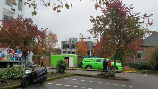 footage of the red cross's emergency response center that was setup near the scene of an explosion at a bagel shop - rotes kreuz organisierte gruppe stock-videos und b-roll-filmmaterial