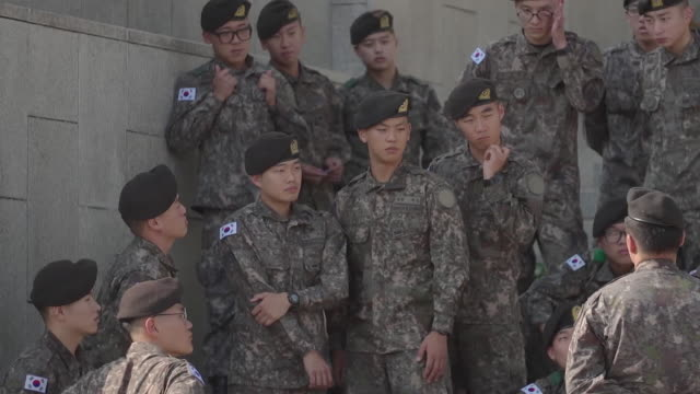 stockvideo's en b-roll-footage met footage shows fighter jets and soldiers at a military museum in south koreas capital seoul during the increasing volitile time sorrounding its... - zuid korea