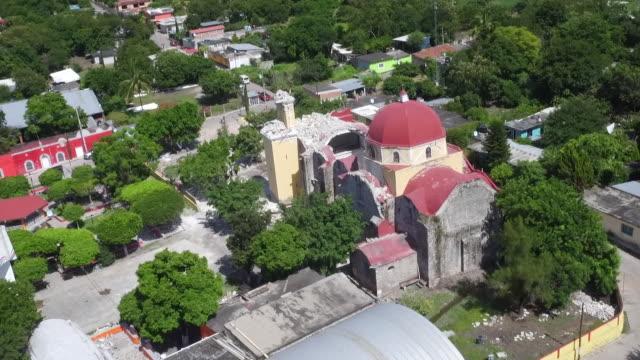vídeos y material grabado en eventos de stock de footage shows the ruins of a church in the village of atzala near the epicentre of septembers earthquake in mexico where eleven members of one family... - 2017