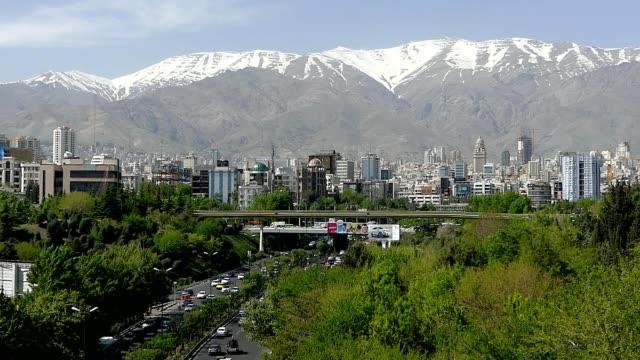Filmmaterial Verkehr entnommen Tabiat Brücke in Teheran, Iran